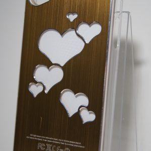 Защитный пластиковый золотой чехол с серебряными сердечками для Iphone 4