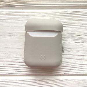 Бежевый матовый силиконовый чехол Soft Touch для Apple Airpods (Cocoa)